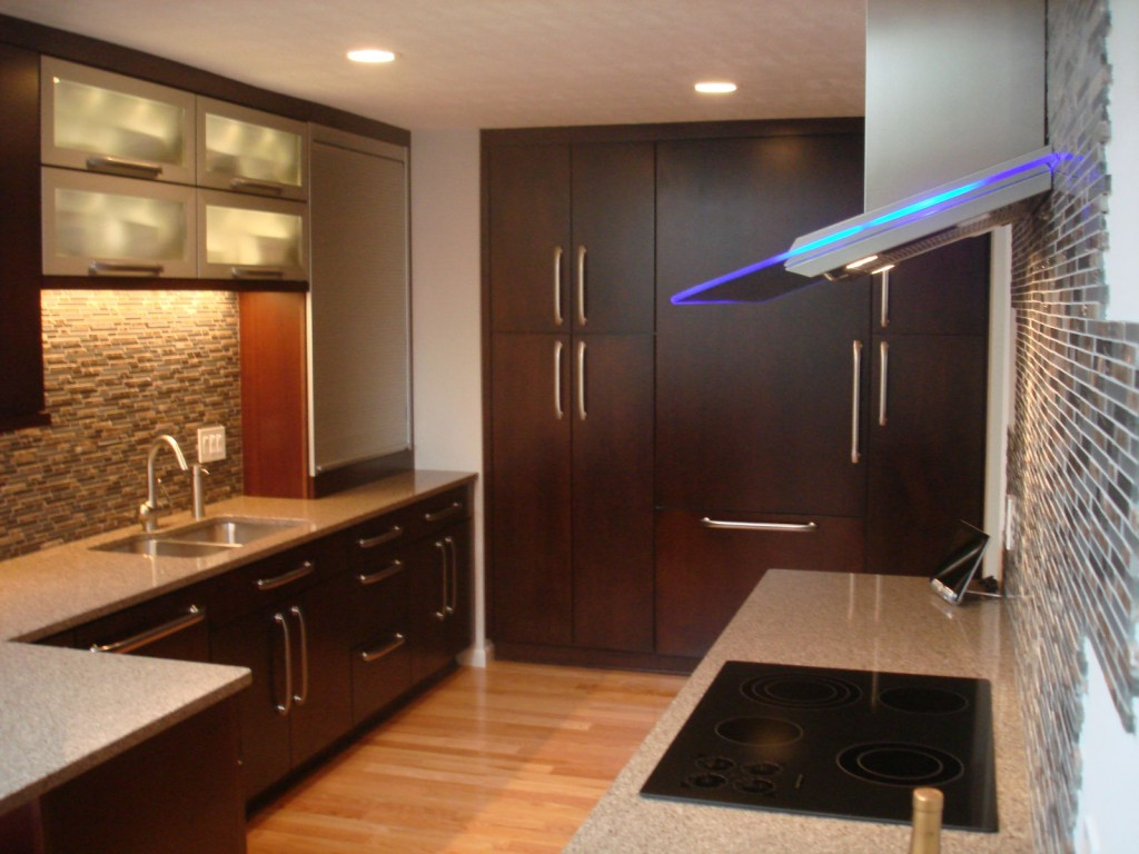 Black Cabinets With White Countertops 1024x768