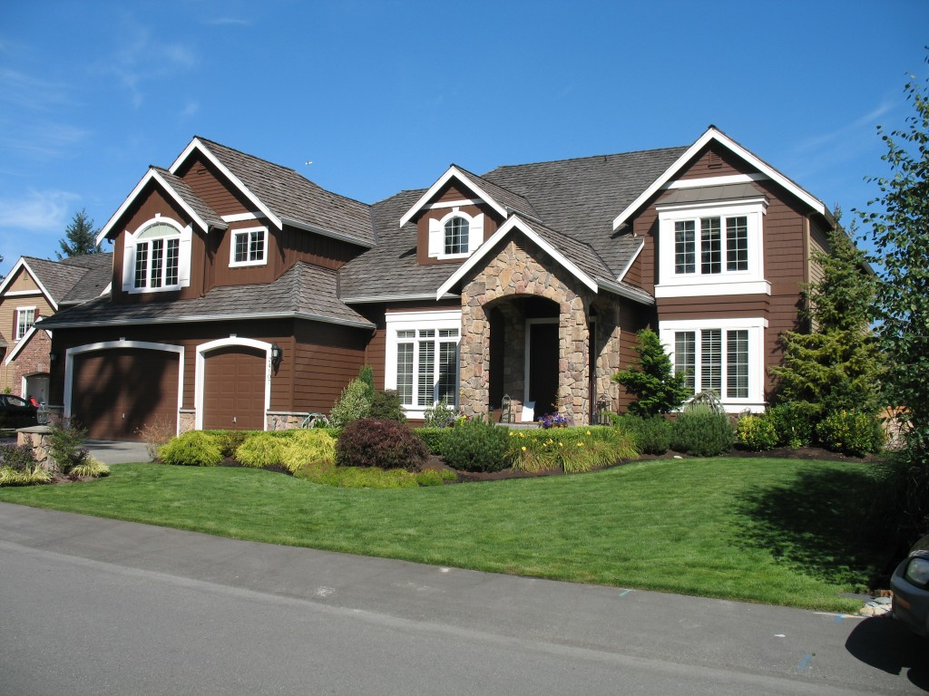 Light Brown House With White Trim Ideas 1024x768