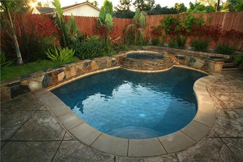 Small Backyard Swimming Pools