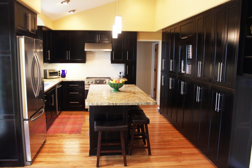What Color Countertops With Black Cabinets 1024x683