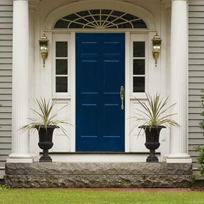 30+ Gray Houses with Blue, Black Door and Shutters – Experts Suggestion