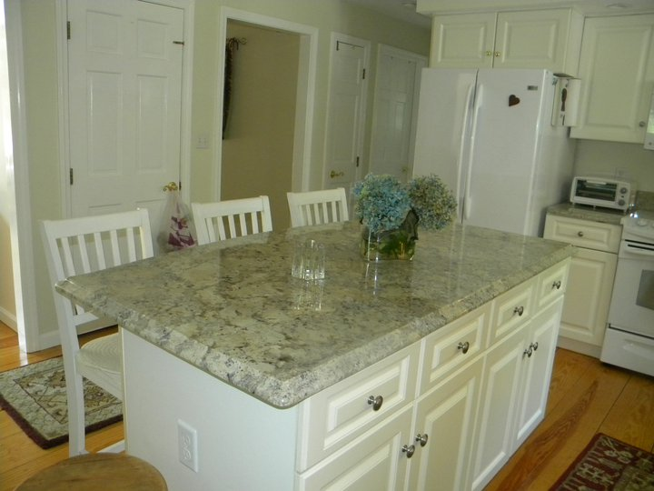 White Kitchens With Granite