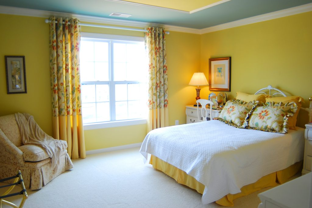 Yellow And White Bedroom 1024x685